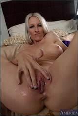 Vertoond op Http Www Salutmoms Com afbeeldingen blondjes mijn eerste Sex