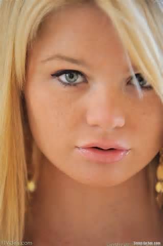 FTV Girl Nicole jong en mooi horloge porno Video Online