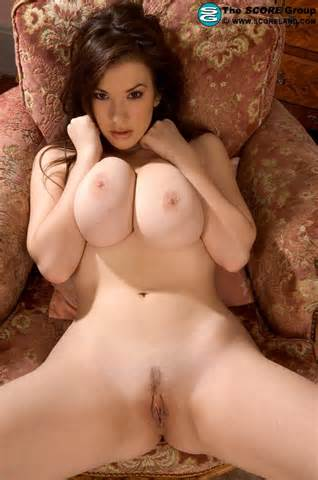 Sexy Look grote Boobs Brunette Braziliaanse Pussy Open benen de Sexy