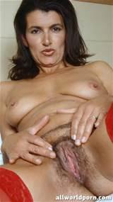 Hete rijpe Brunette met harige Pussy gratis kwaliteit porno foto